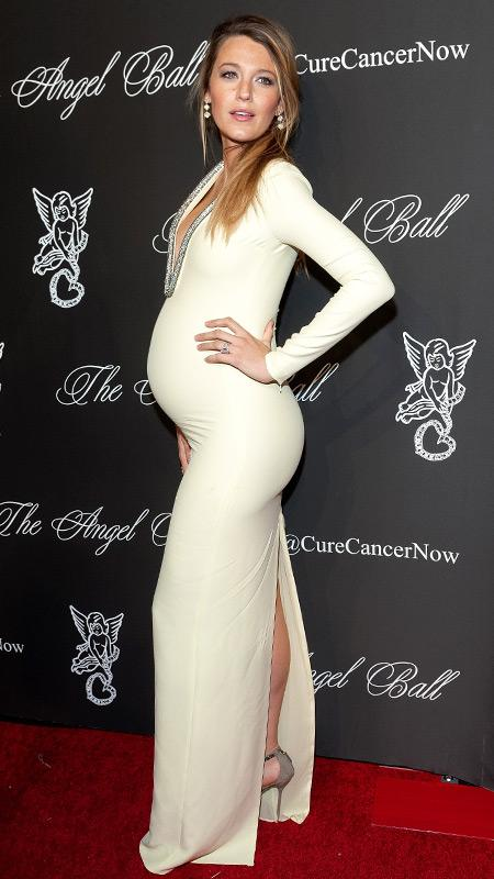 6 pictures that prove that Blake Lively is the most stylish mom-to-be ever: http://t.co/DkgDjsYILm http://t.co/fpd7lKzahc