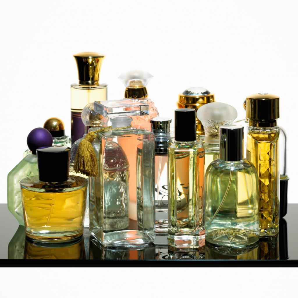 How game-changing fragrances can mark a moment in time: http://t.co/mAde7D6NE0 http://t.co/Q54e2gXTNW