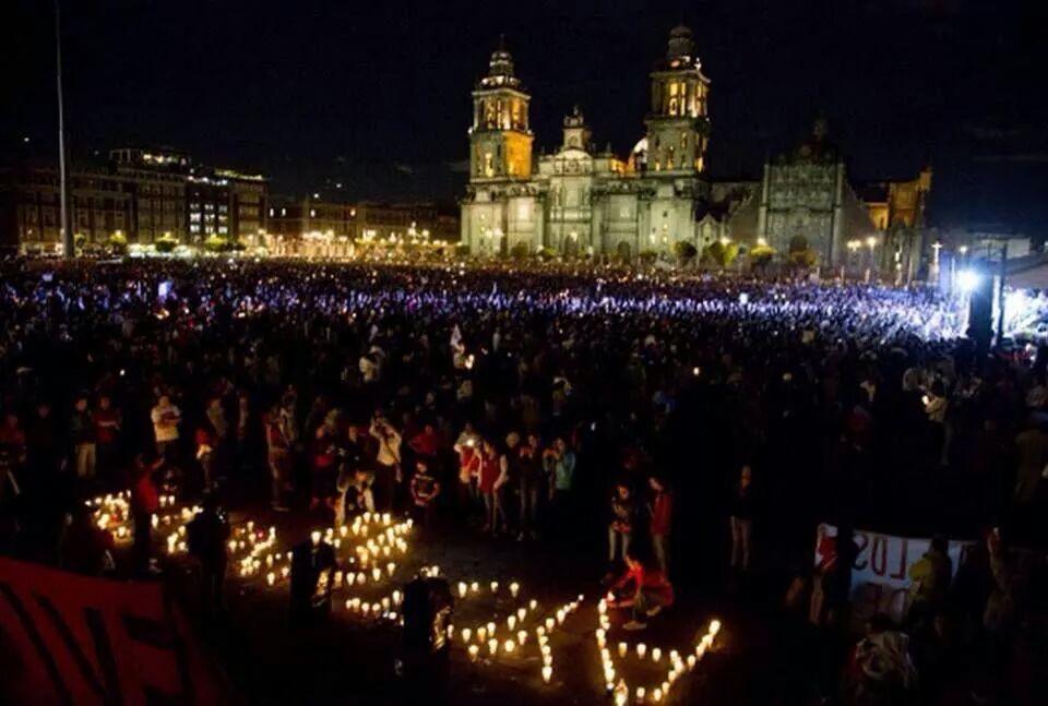 Esta fue la marcha. No las imágenes que les van a mostrar hasta el cansancio los medios que impusieron al presidente http://t.co/6lHF62zXCl