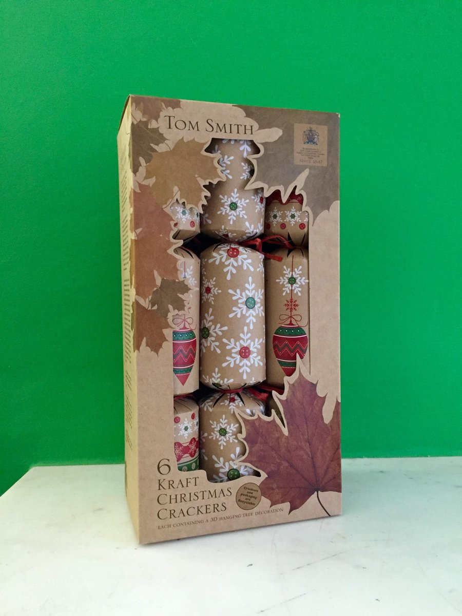 Follow + RT for your chance to #WIN Christmas crackers (for more Christmas see http://t.co/B5tshfbSLL) #HappyFriday http://t.co/Gn9zVbdFFh