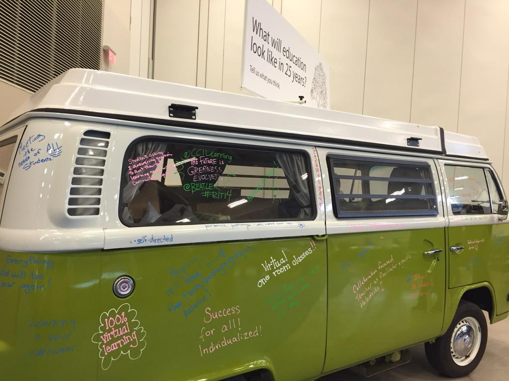 Are you ready to get on the bus? We are moving forward #bit14 http://t.co/fulXOgBWAZ