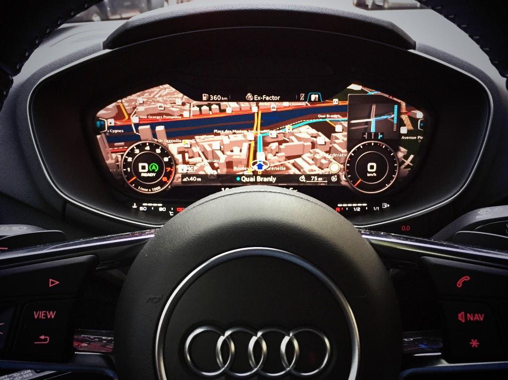 Non mais ce tableau de bord de la nouvelle Audi TT => LOVE @AudiFrance http://t.co/gVDaMmdQnA