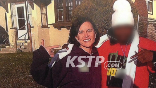 Thumbnail for Social media erupts with #pointergate after Mayor Hodges 'gang sign' TV report