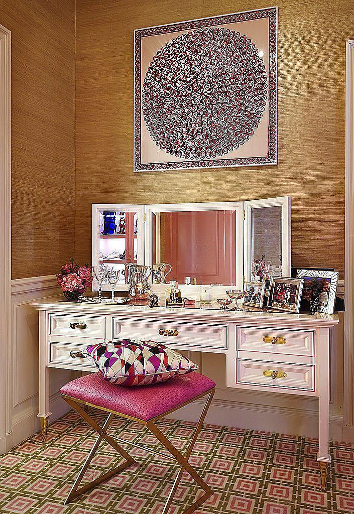 The coolest, most clever ways to display your scarves: http://t.co/ewljIDlRlT http://t.co/GlCUGcN62b