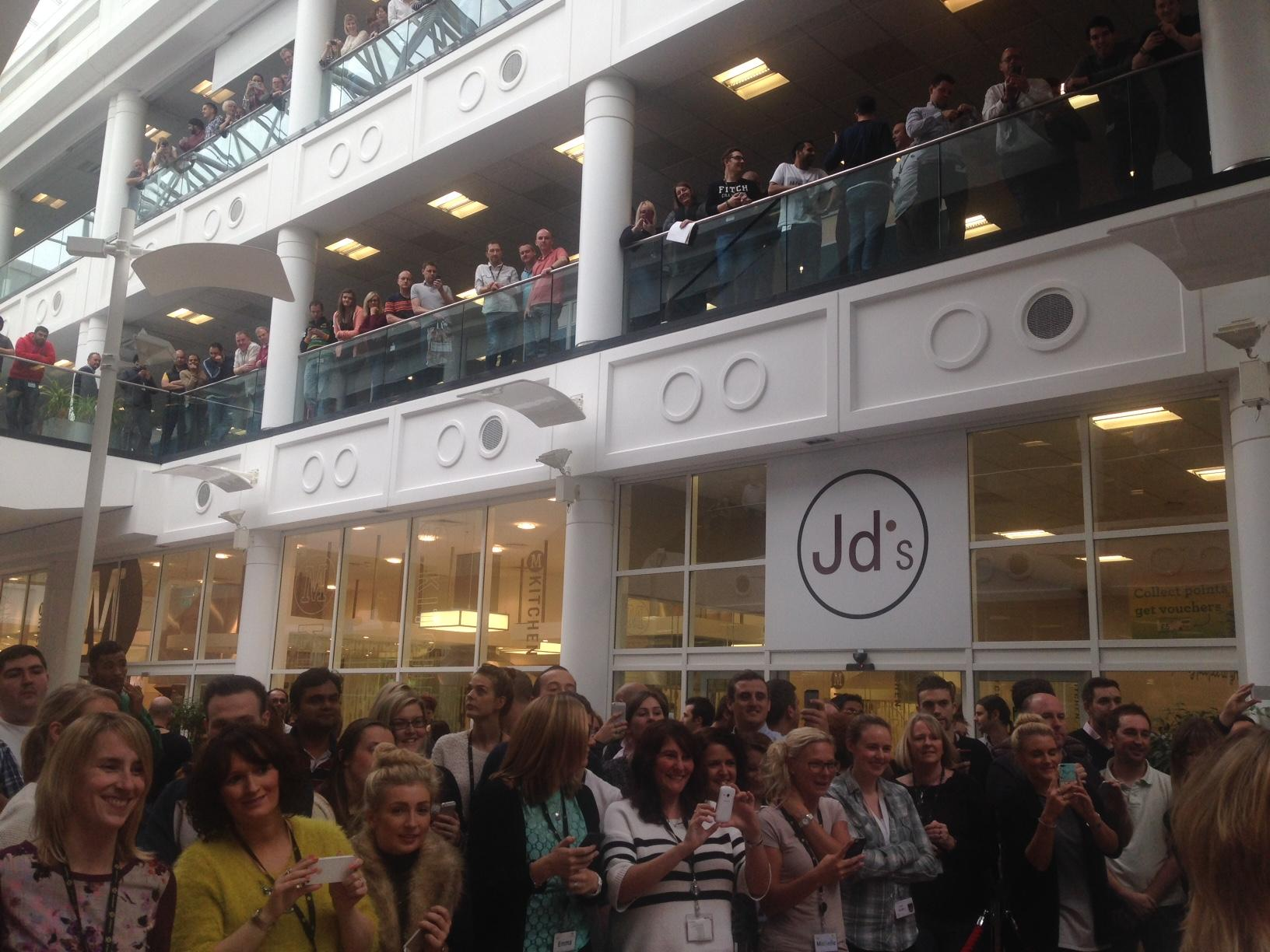 RT @orionbooks: Check out the crowd @lemontwittor gathered at @Morrisons HQ this afternoon! #LittleKeith http://t.co/AellvQLdc5