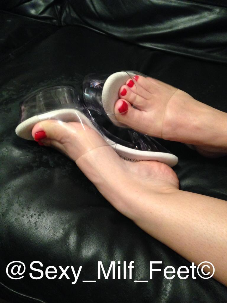 Sexy Milf Toes 15