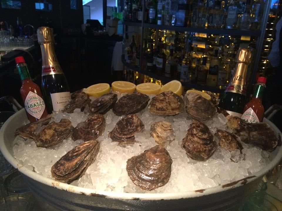 Bonus! Preview of #oyster #happyhour (at @ToscanaDivino in Miami, FL) https://t.co/4zQut0VFH4 http://t.co/S0fJhQwKYw