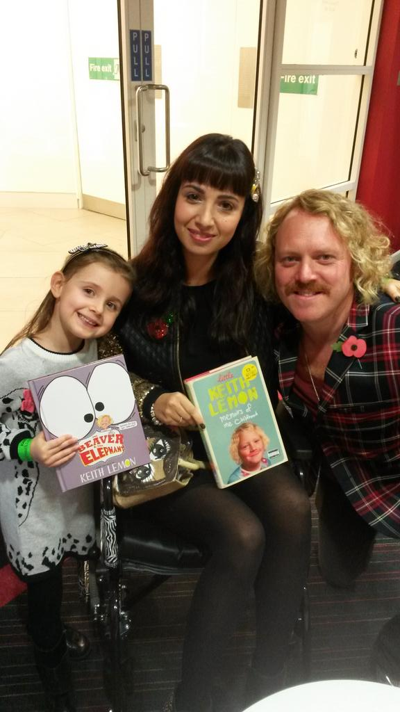RT @AliW33: Happiest day of my life!!! @lemontwittor @LeighFrancis Thanks so much for taking the time to chat & talk jackets!! http://t.co/…