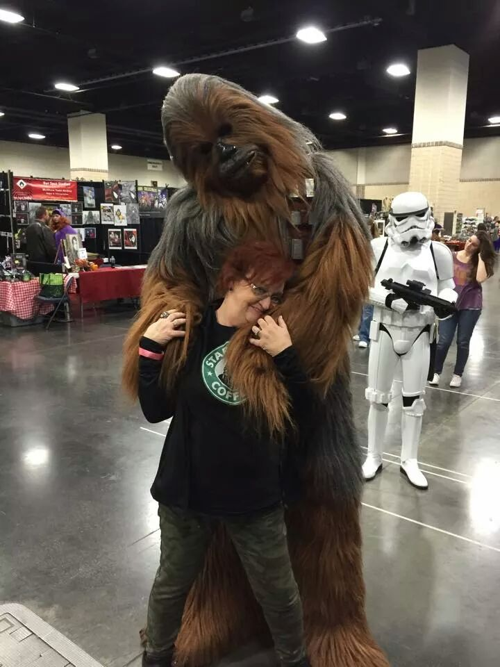 "Peter Mayhew on Twitter: ""Brandon Selph showing Angie some Wookiee ..."