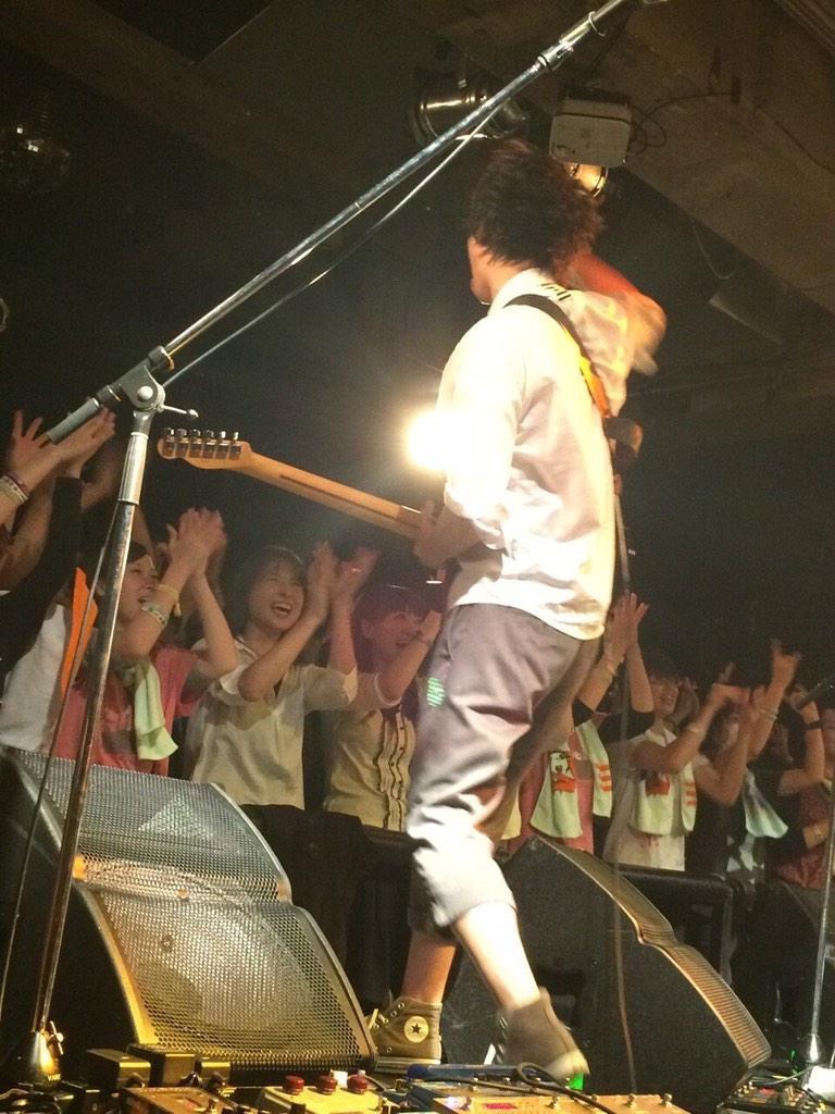 『大歌の改新』10発目、神戸編終了! 大好きなVARIT.で演奏できてよかった! 全バンド最高でした!今日も皆さん楽しんでくれてて、そしてめちゃいい顔してたなぁ。今日は後ろの方も綺麗に見れた!幸せや!!来てくれた皆さん、ありがとう!