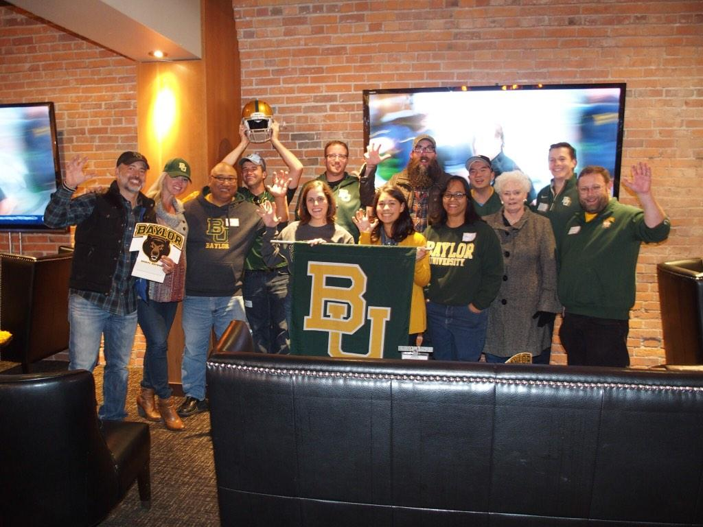 f0b7bf03 BaylorSeattle @Baylor look who showed up for Seattle watch party  @crowdermusic #watchbu pic.twitter.com/lv95ZQuRnQ