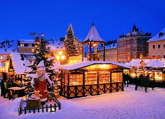 Magical European Christmas markets. http://t.co/y1pvwOmm9v