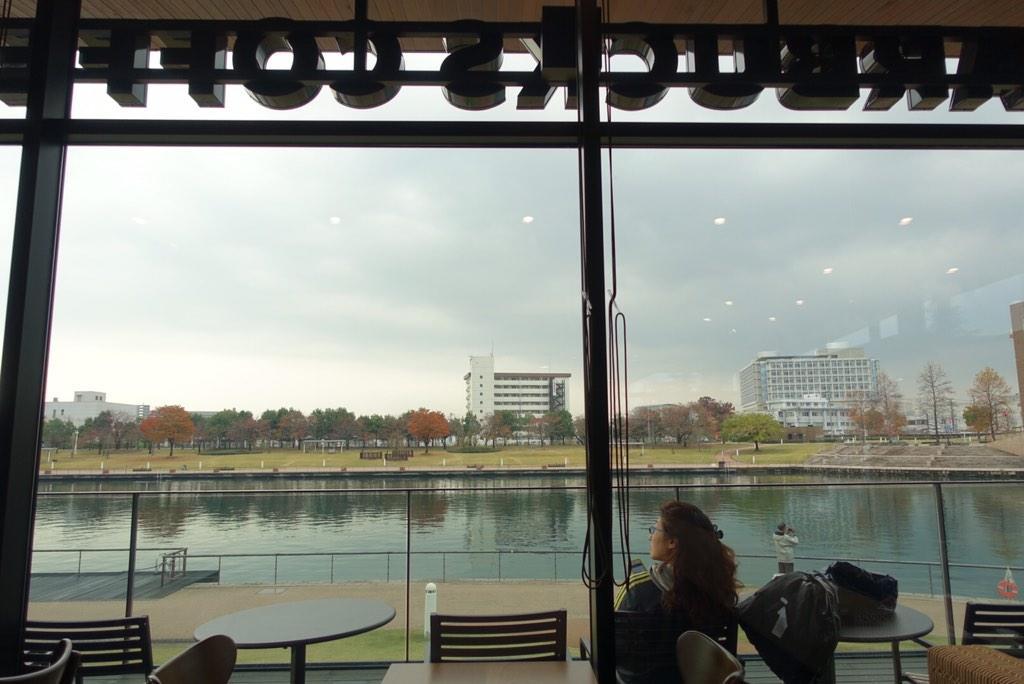 世界一美しいスターバックスといわれるスターバックス富山環水公園店で打ち合わせ。 http://t.co/q8hJ6VW9Z1