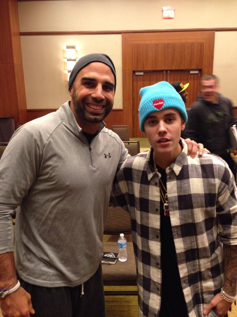 Great to meet @justinbieber tonight at chapel! Thanks for coming! http://t.co/0wNuTzEG8z
