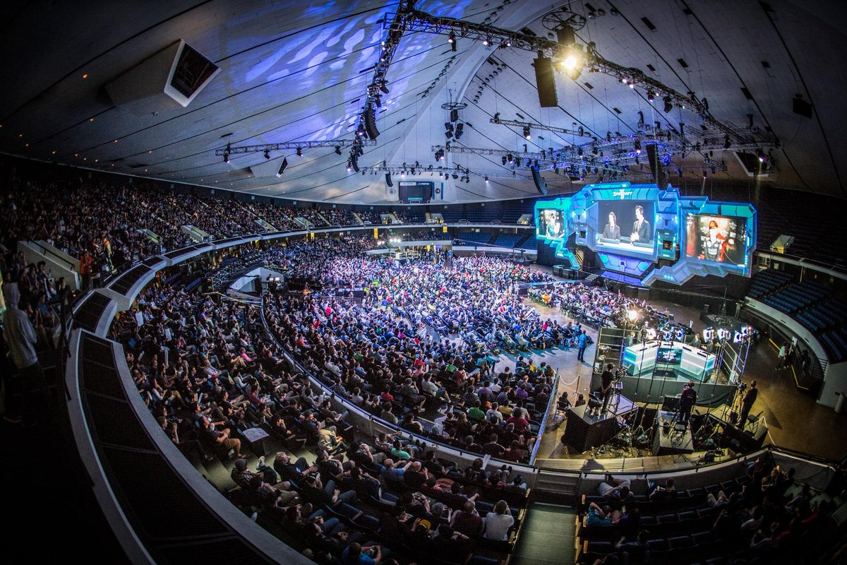2014_WCS_Crowd
