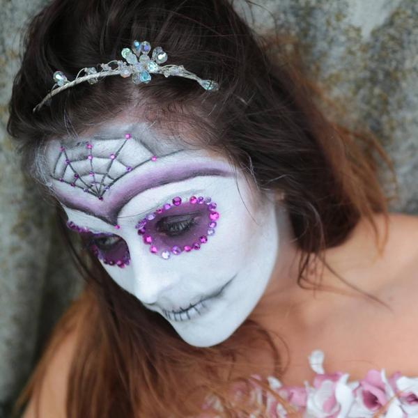 Halloween shoot with once upon a time make up artistry! Awesome fun @nicmroberts http://t.co/JWyFjoKtj3
