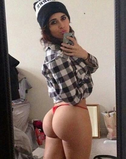 She Knows How To Fuck