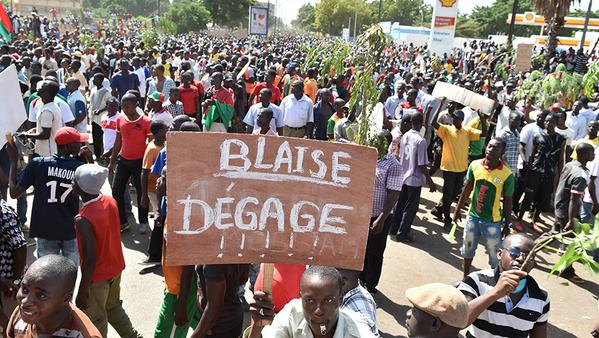 LES DOSSIERS DE LA DC: LA REVOLUTION LWILI DU BURKINA FASO PRINTEMPS NOIR / EN IMAGES LA RESISTANCE POPULAIRE AU BURKINA FASO -MISE A JOUR LE 31/10/2014