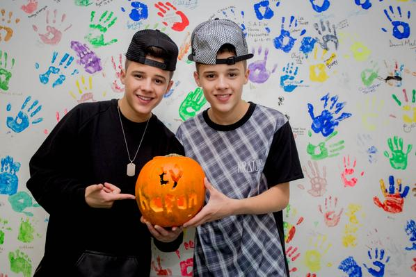Huge hanks to the v lovely @TheBrooks191 for visiting us today! We hope you had as much fun as we did! #Halloween: http://t.co/w8C2RKd5je
