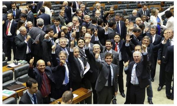 Selfie da Democracia: http://t.co/eBINhWvC9i