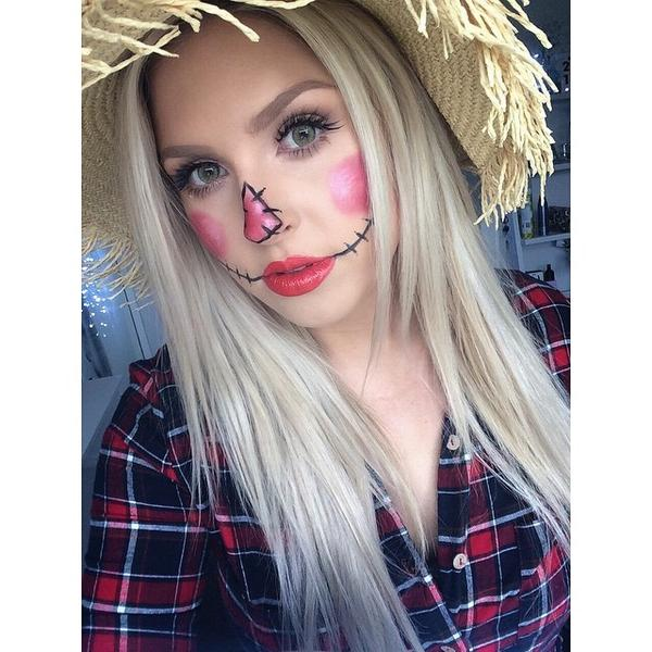 shaaanxo on twitter dont know what to be for halloween this scarecrow look is super easy watch the tutorial here httptcozzldafjih1 - Easy Things To Be For Halloween