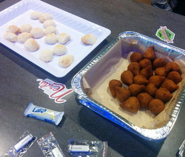 the @sandiegojs organizers were so nice that they even brought coxinhas to the meetup! thanks @rodrifernandez :D http://t.co/RbVE9glt40