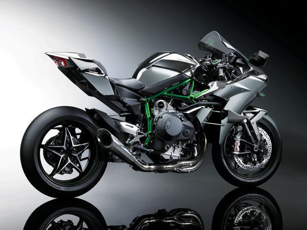 なんと300馬力!カワサキが発表した新型スーパーバイク「ニンジャH2R」、乗り手を選ぶことは間違いない。(昨日のアクセス3位) buff.ly/1wAVho0 pic.twitter.com/bQFgjEk6WD