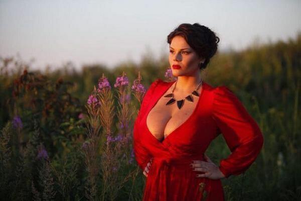 Фото большая грудь россии