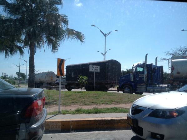 Parceleros desalojados bloquearon por 2 horas el Puente Pumarejo