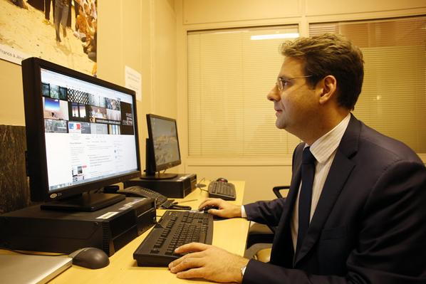 .@MatthiasFekl a commencé à répondre à vos questions sur le #PTCI. Pour participer, utilisez #QRdiplo ! #TTIP http://t.co/I21GF9CsdW