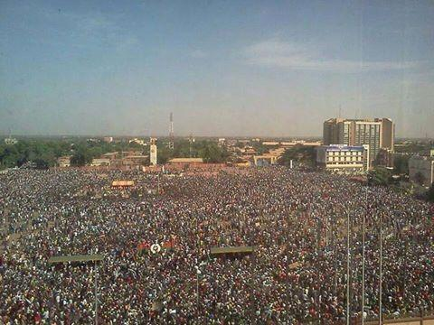 #BurkinaFaso: Mass protests against 'president for life' Blaise Compaore http://t.co/WVJ3645Fxx #Africa http://t.co/G3linzF1wx