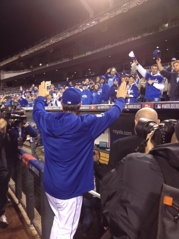 "Very cool moment late Wed when fans stuck around chanting ""Thank you Royals!"" & Ned Yost emerged to thank them. http://t.co/zcsm8PMCkY"