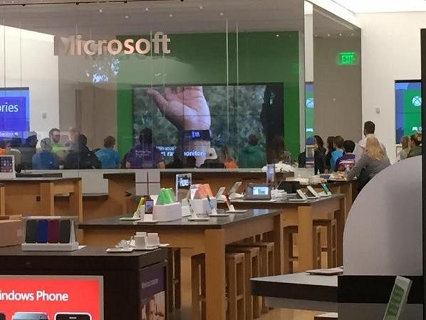Microsoft Store staff staying late for Microsoft Band crash course, at U. Village in Seattle. http://t.co/RsxnM98GHh http://t.co/raBZC823dZ