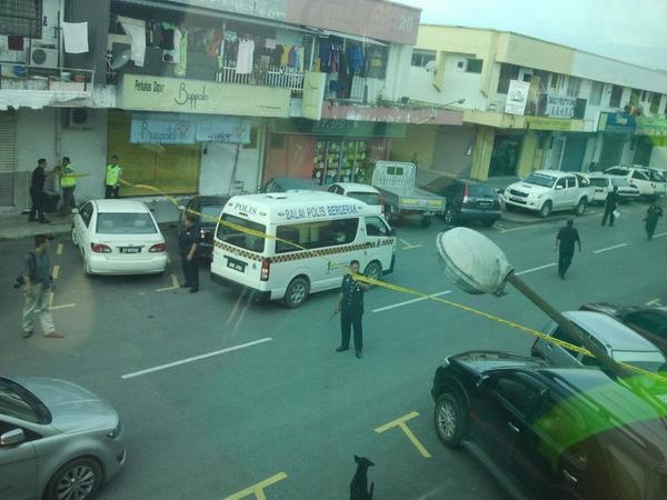 "@kkcity ""@PhilipGolingai: Stand-down, Servey in Penampang Baru, Sabah. Initial report says there was gun shot heard. http://t.co/Cg7h5mPheL"""
