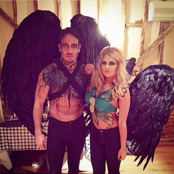 RT @Daniarmstrong88: Thank you @1Artstart for our amazing wings me and @JamesLockie86 hired for the night  completely made the outfit 😉 x h…