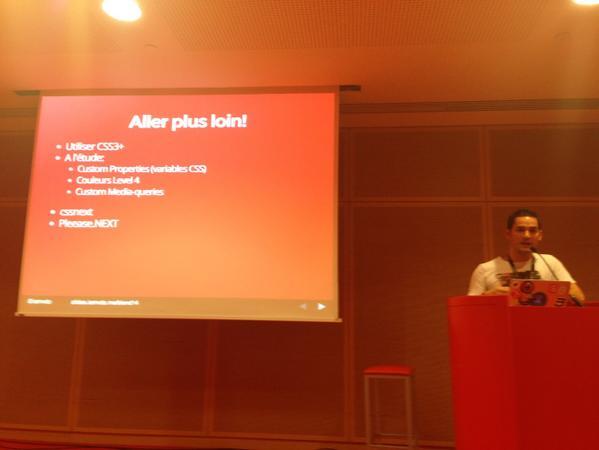 @iamvdo parle de #pleeease-next et #cssnext pour commencer à  utiliser du css3+ #blendwebmix http://t.co/q8eIN8yHOS