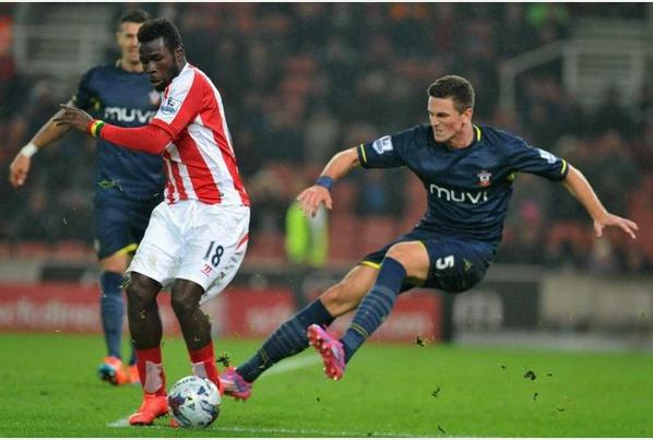 This was deemed not worthy of a yellow card last night. But #Stoke are dirty. Care to elaborate @FA ? http://t.co/lchzzc5vG7