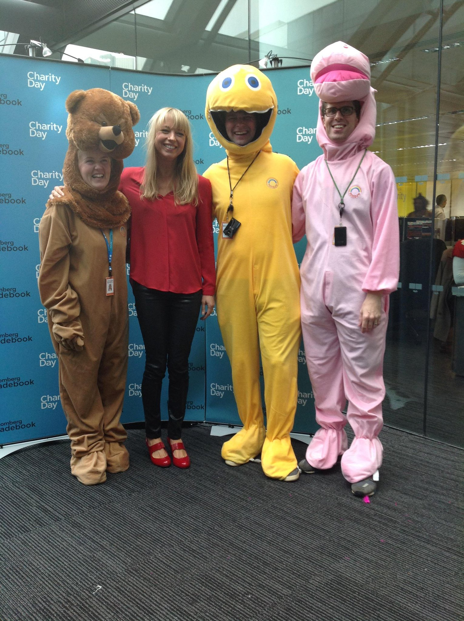 RT @BBGTradebook: Lots of onesies and @sarajcox in the midst of it all for @GreatOrmondSt #TBKCharityDay http://t.co/2oR70wLcy8