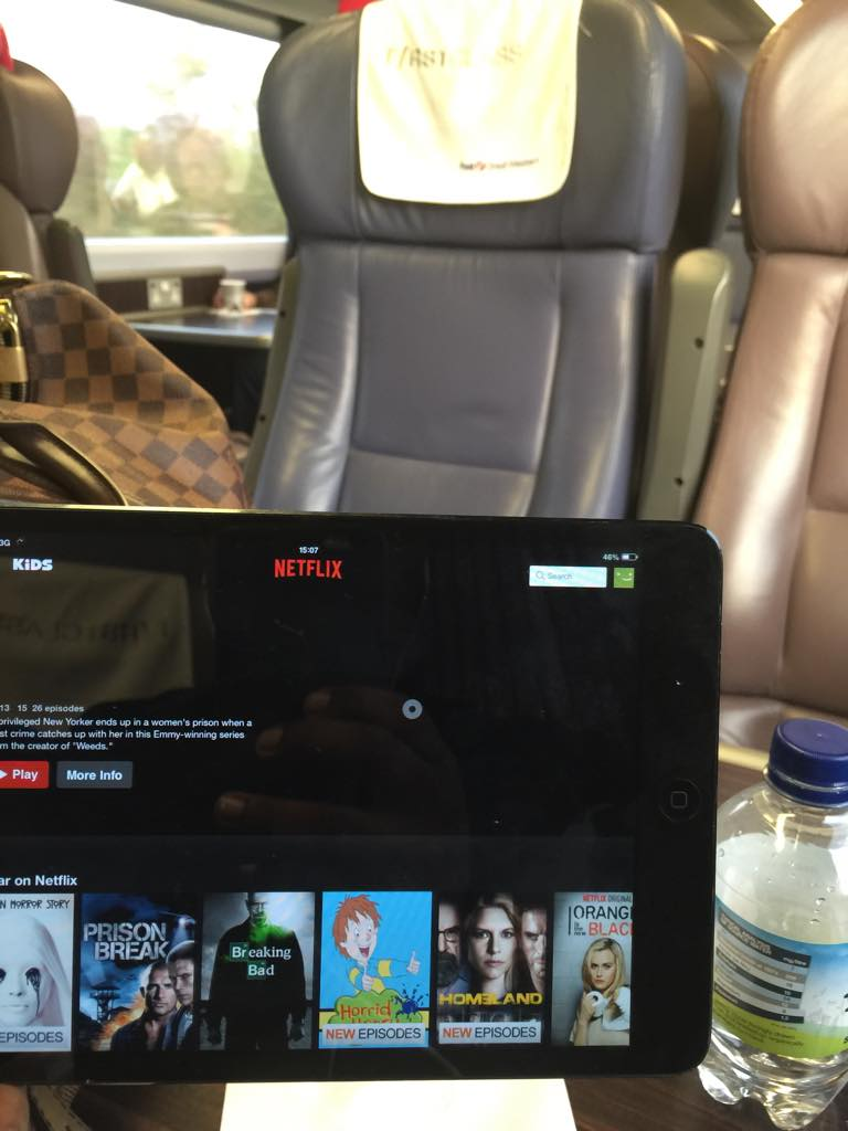 #netflixs making this hungover train ride a little more bearable.... http://t.co/HdIBkTQx2o