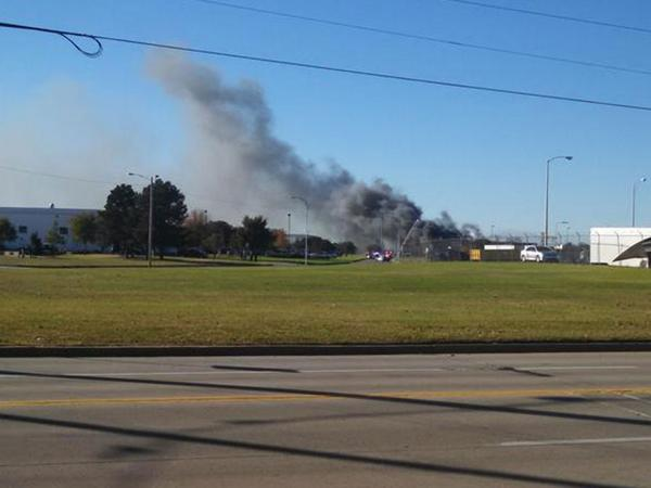 Report: Plane hits building at airport in Wichita, Kansas http://t.co/O8YJwVrNjh http://t.co/kRndq5zgaq