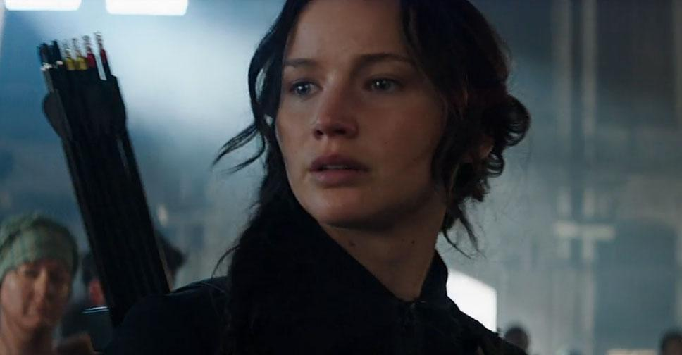 Watch the THRILLING final trailer for @TheHungerGames: Mockingjay Part 1: http://t.co/BQtDacFQ6s http://t.co/Ez4GA1i00H