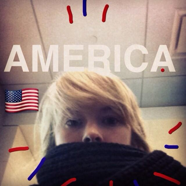 RT @MuireannO: It's me, in America! Well 'shucks' as they would say over here http://t.co/BOijY8qIuq