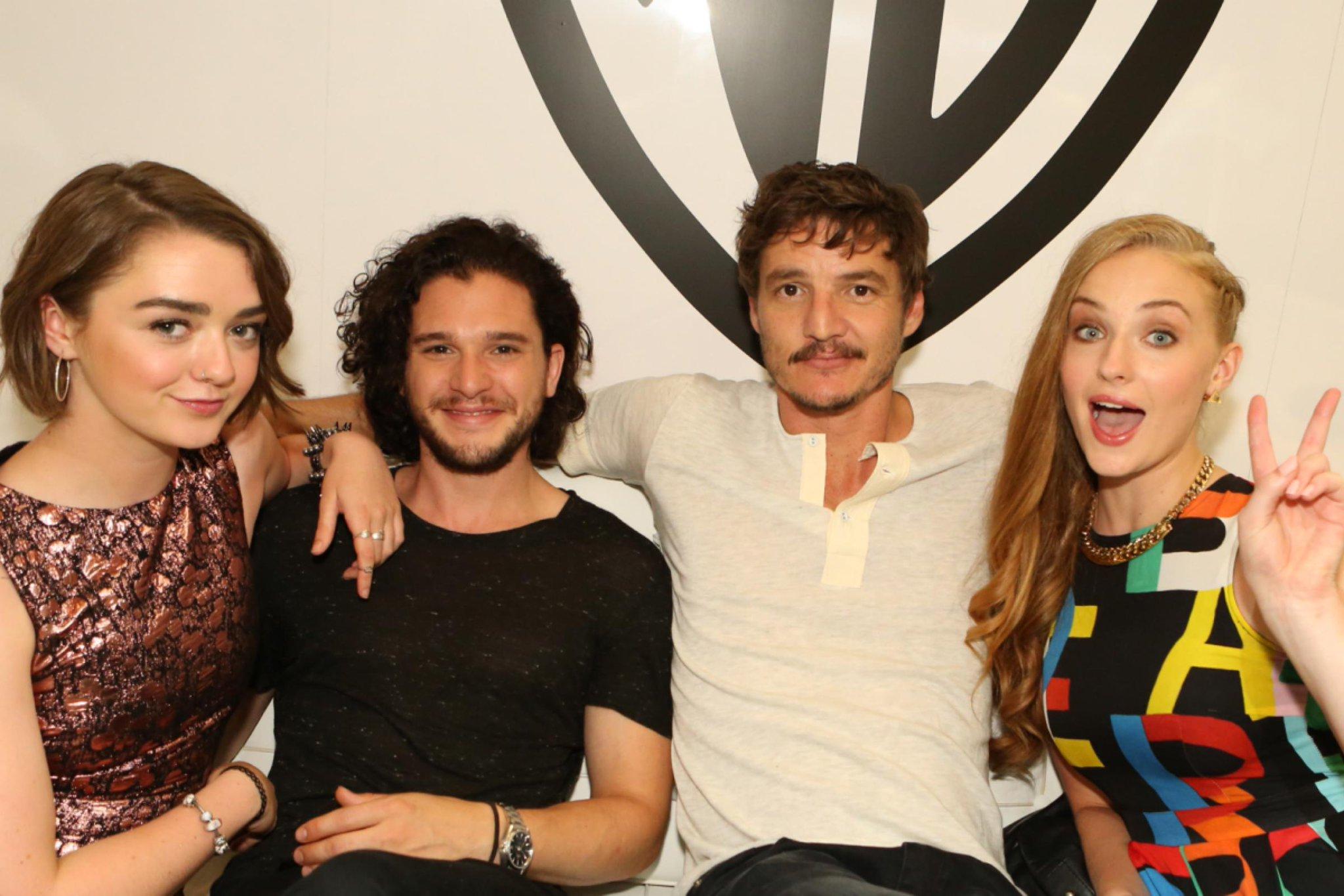 Game of Thrones: Jon Snow makes more money than Arya Stark. http://t.co/4BAmPITsLI http://t.co/lehLpghPgQ