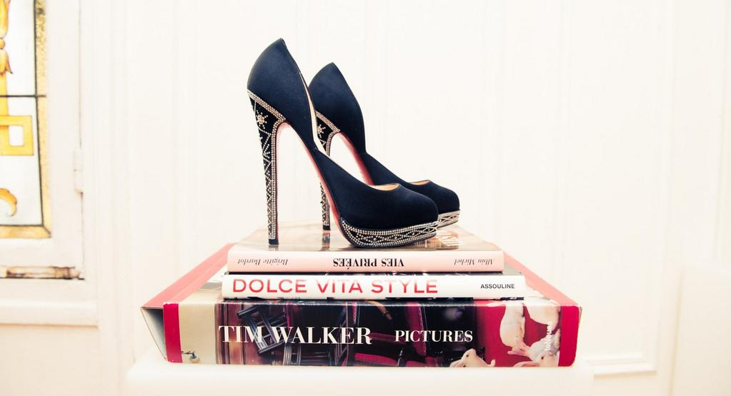 Because we've all forced our feet into something less than comfortable. http://t.co/VsEhKNLFau http://t.co/rjuFaUaaZ7