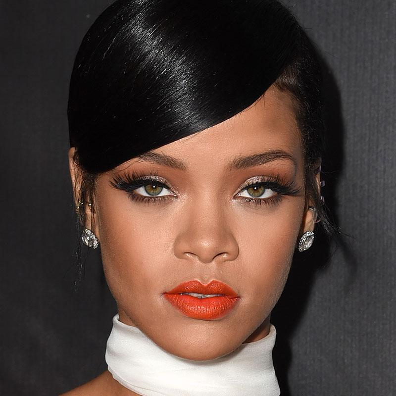 You won't BELIEVE what Rihanna wore on the red carpet last night: http://t.co/nRI7I1Pcha http://t.co/3wYZlk77zk