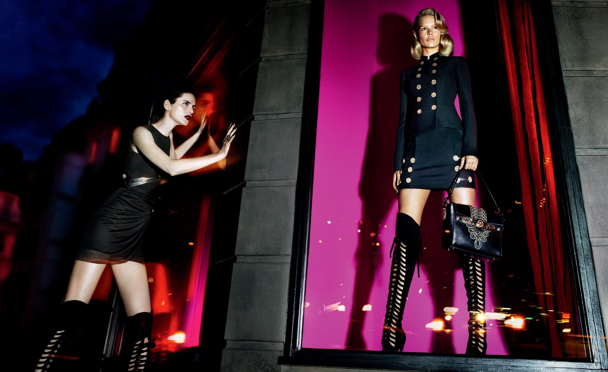The new #Versace woman represents powerful attitude, contemporary elegance and military rigor. http://t.co/gOVxXMFjym http://t.co/Vn2tMxymWw