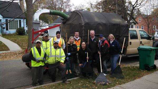 Duke Realty And Brickman Partner To Help Clean Up Leaves For The Elderly  For The Senior Community H.O.M.E.pic.twitter.com/qvy73gZ7ZG