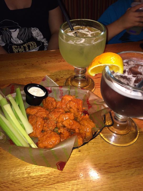dj bash on twitter applebees loyal costumer love the new halloween drinks purpleviper sodelicious teamapplebees httptcowfh5omekar