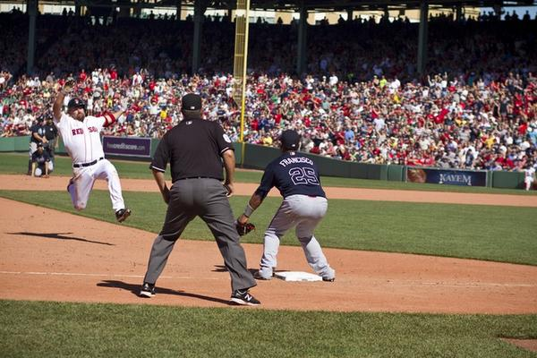 Youkilis is retiring from baseball. Here's one of my favorite shots that I took of him. His last game as a Red Sox. http://t.co/ioKv3j8OiN