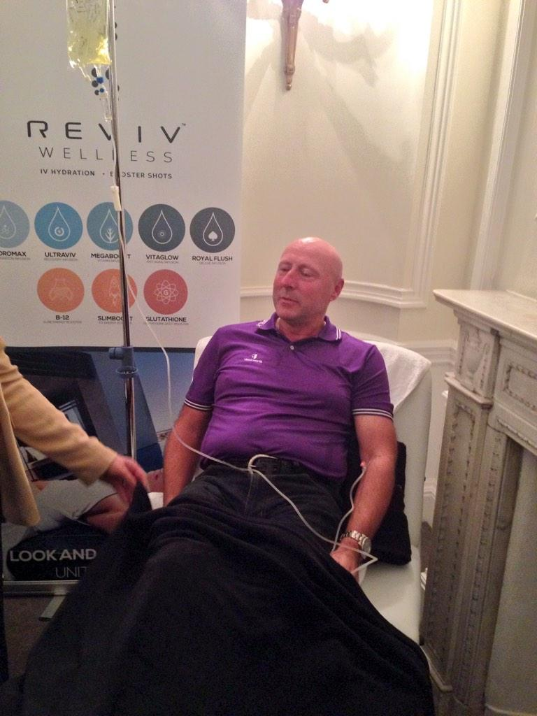 The first @revivme treatment of the night Keith Larner thanks for coming last night @MandyLarner http://t.co/blzzVDw3OM